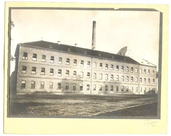 Textile company Kožara, Osijek, photo taken around 1940.
